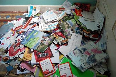 junk_mail_pile